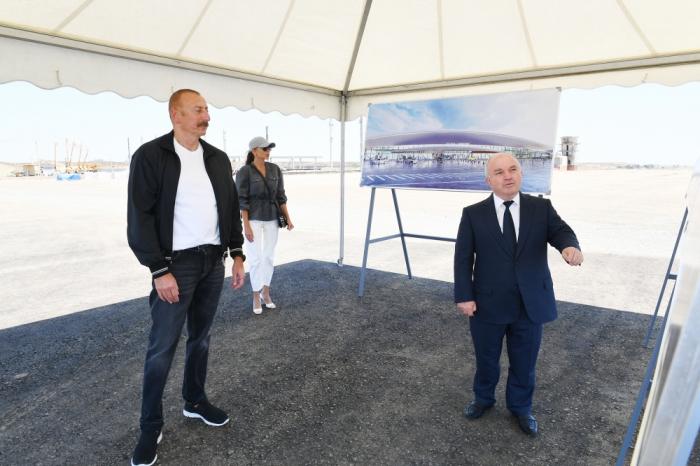 Ilham Aliyev y Mehriban Aliyeva están en Fuzulí