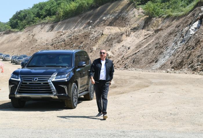 Azerbaijani president views construction of bridge over Victory road - PHOTO