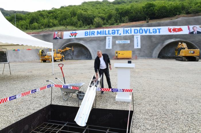Presidente Ilham Aliyev sienta las bases del túnel en la aldea de Dashalti