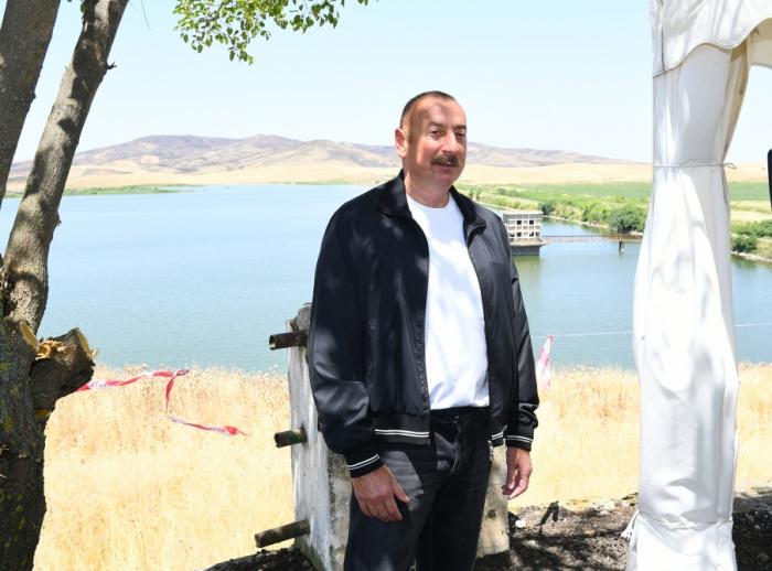 Presidente Aliyev: Se está elaborando mapa de las fuentes de agua en todas las tierras liberadas de Azerbaiyán