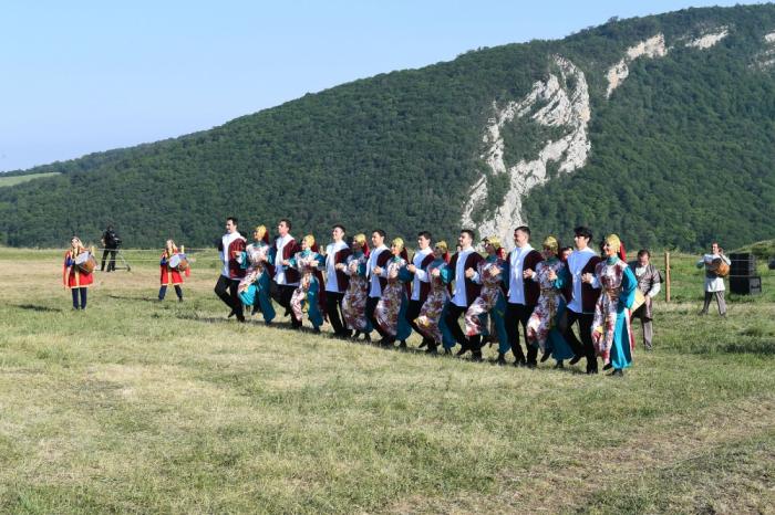 Une représentation musicaleprésentée à Choucha en présence desprésidents azerbaïdjanais et turc - PHOTOS