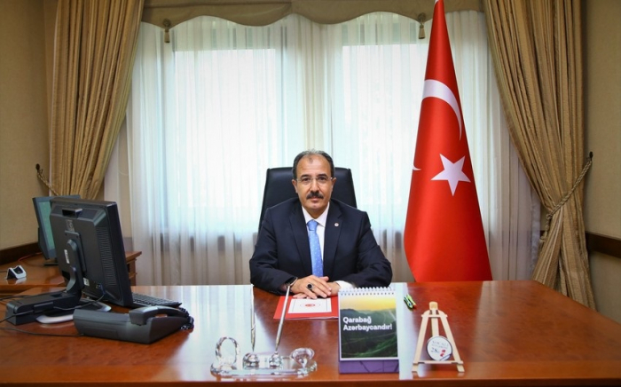 Embajador de Turquía felicita a Azerbaiyán