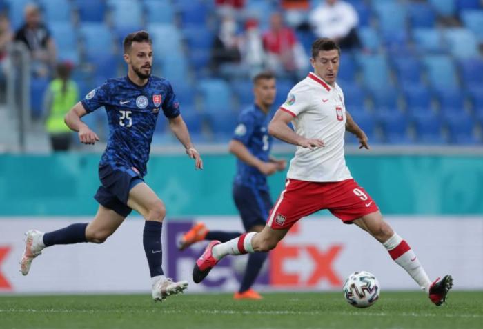 Slovakia beat 10-man Poland 2-1 in EURO 2020 Group E match