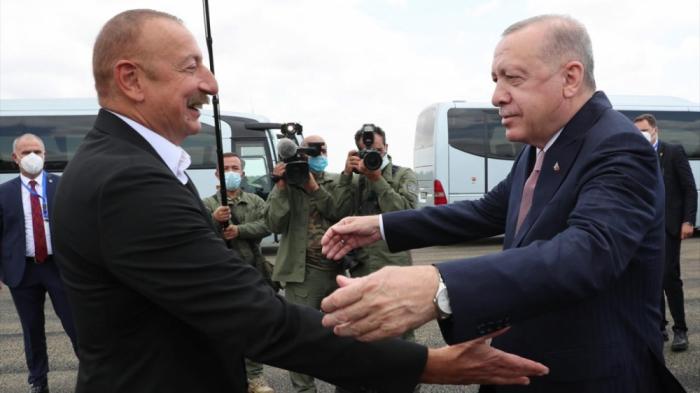Ilham Aliyev trifft sich mit Recep Tayyip Erdogan in Füzuli - FOTOS