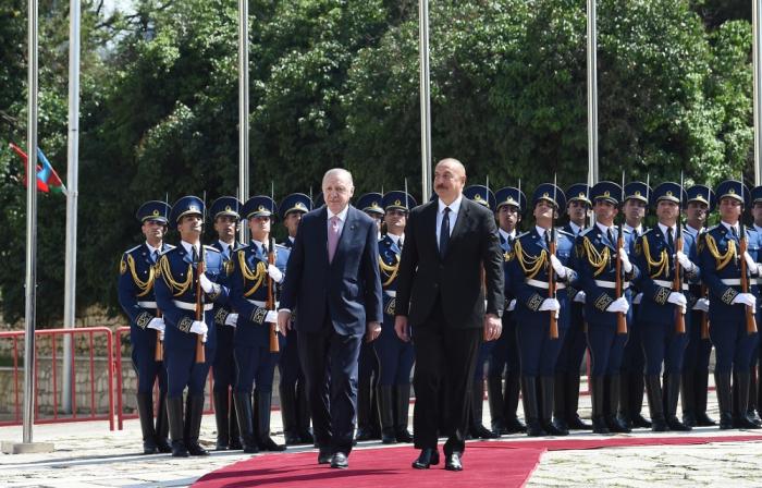 Türkischer Präsident kommt in Schuscha an -  VIDEO