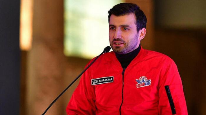 Selcuk Bayraktar congratulates Azerbaijan on Day of National Salvation