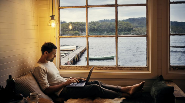 Is the great digital-nomad workforce actually coming? -   iWONDER