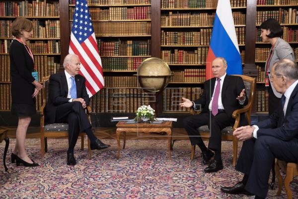 Biden y Putin pactan la vuelta de embajadores y cooperar en ciberseguridad