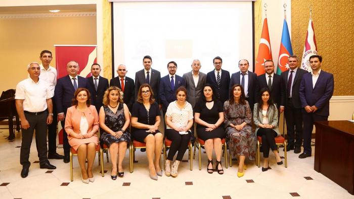 Azerbaiyán premia a la agencia Anadolu y la TRT por sus contribuciones en la guerra de Karabaj