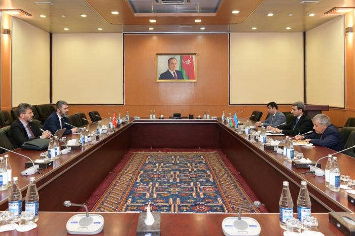 لقاء بين وزارة النقل والاتصالات والتكنولوجيا العالية ومؤسسة أبحاث الطاقة التركية