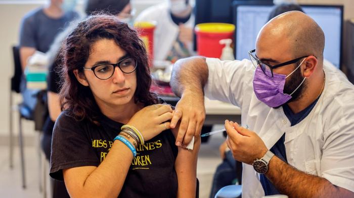 Israel entregará más de un millón de vacunas contra el COVID-19 a la Autoridad Palestina