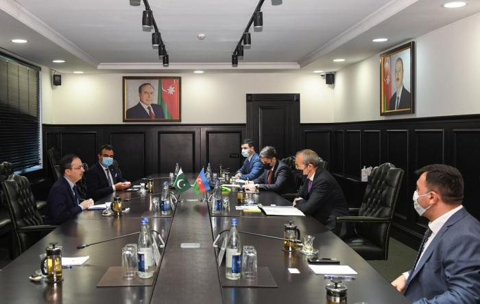 Economy Minister meets with Pakistani Ambassador
