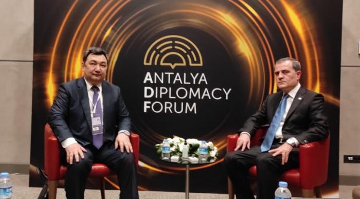 Le chef de la diplomatie azerbaïdjanaise tient une série de réunions à Antalya