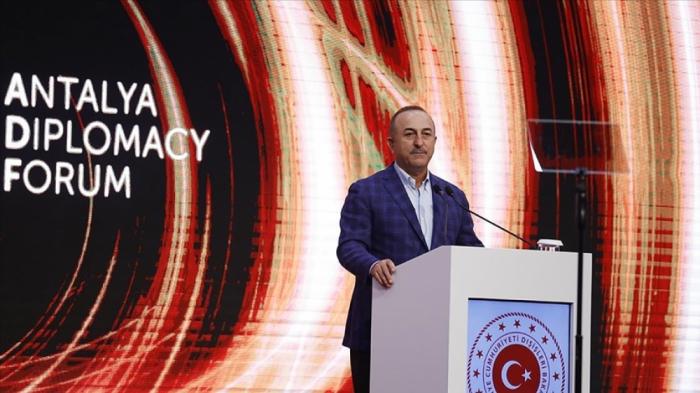 """Mevlüt Çavuşoğlu:   """"Ereván debe abandonar su actitud hostil y empezar a establecer buenas relaciones con los vecinos"""""""