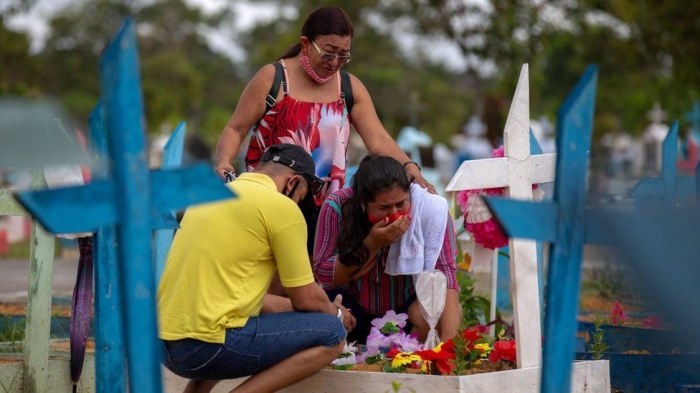 Covid: Brazil hits 500,000 deaths amid
