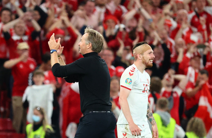 Denmark defeats Russia 4-1 to make it to EURO 2020 last 16