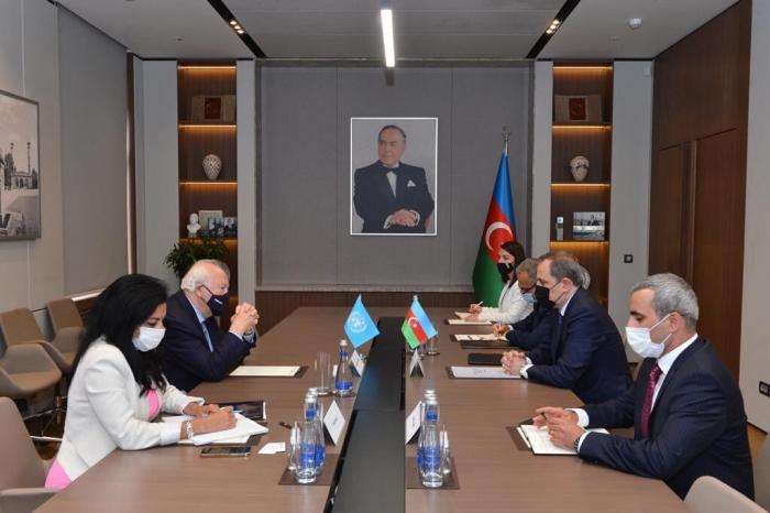 Azerbaijani FM meets with UNAOC high representative