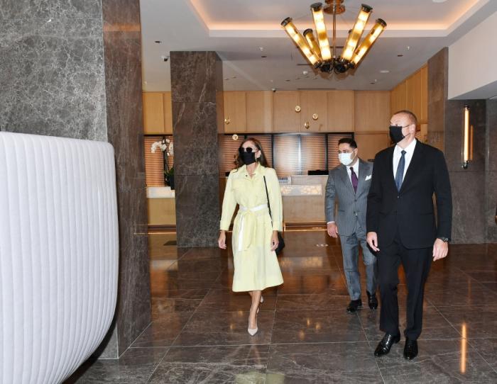 Prezident və xanımı Bakıda otelin açılışında -  FOTOLAR