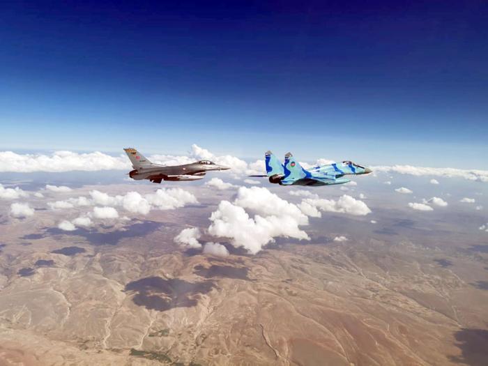 Azerbaijani Air Force continues successfully fulfilling tasks at int