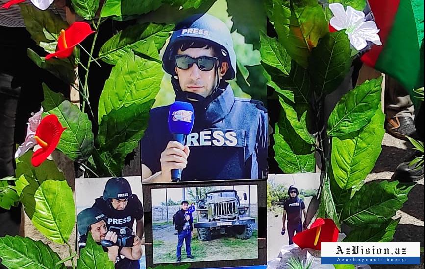 Şəhid jurnalist son mənzilə yola salındı -  VİDEO+FOTOLAR (YENİLƏNİB)