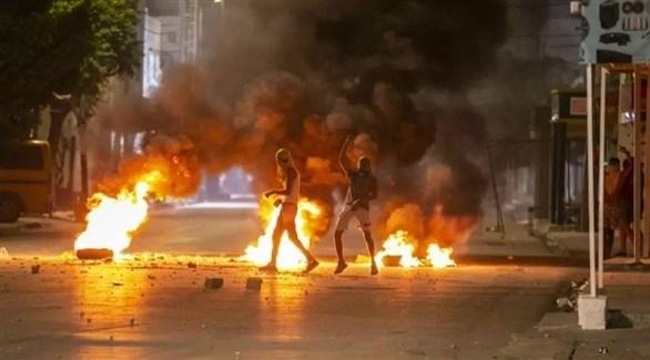 تمدد الاحتجاجات في تونس إلى أحياء شعبية أخرى في العاصمة