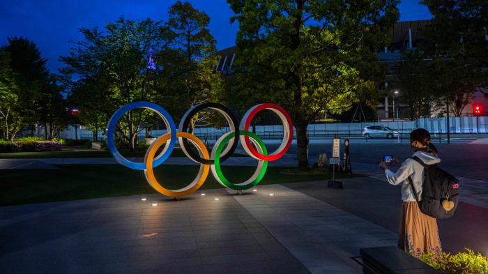 Olympics-Health experts warn of Olympic COVID-19 threat, prefer no spectators