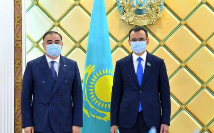 انتهاء فترة عمل سفيرنا في كازاخستان