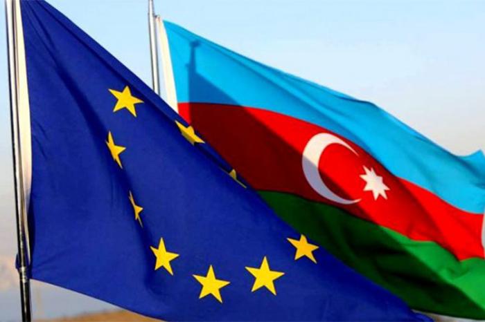 Azərbaycan Asiya və Avropanı Cənubi Qafqazda birləşdirən gücə çevrilir - TƏHLİL