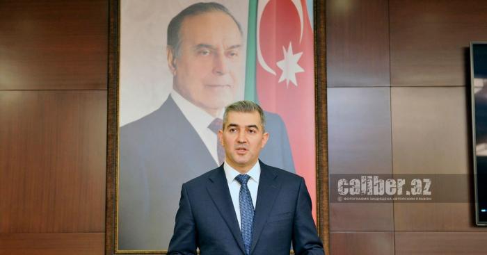 فوسال حسينوف تحدث عن قواعد الدخول والخروج من أذربيجان للأجانب