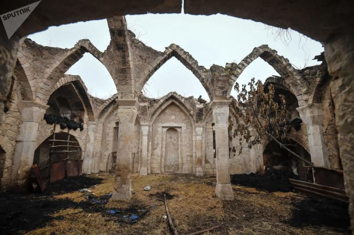 """""""الأرمن دمروا كل آثارنا الدينية"""" - لجنةالدولة"""