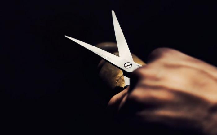 Bərdə sakini həmyerlisini qayçı ilə öldürdü