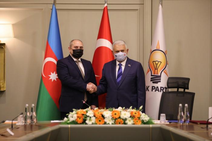 YAP və AKP arasında fikir mübadiləsi aparıldı