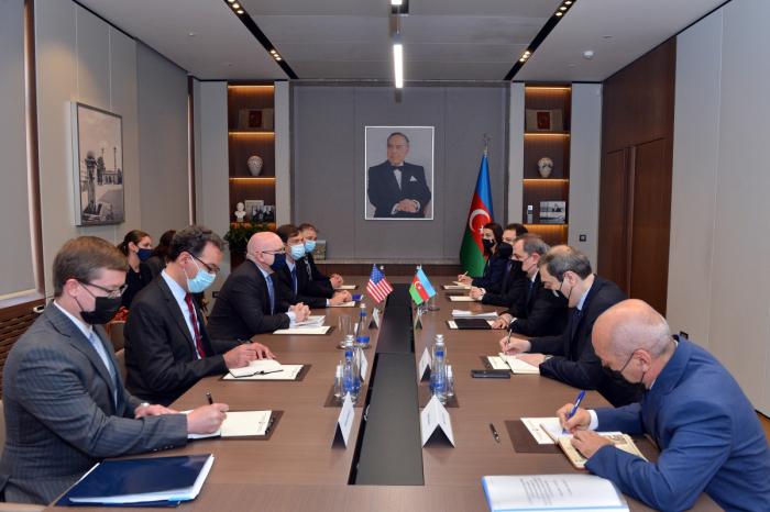 Ceyhun Bayramov ABŞ rəsmisi ilə görüşdü