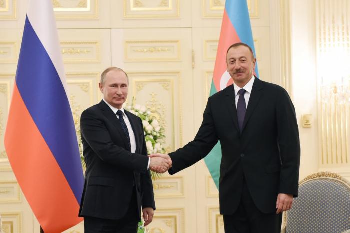 إلهام علييف يهنئ بوتين