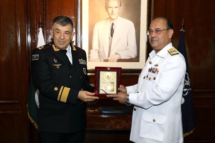 قائد البحرية الأذربيجانية في الأكاديمية البحرية الباكستانية - صور