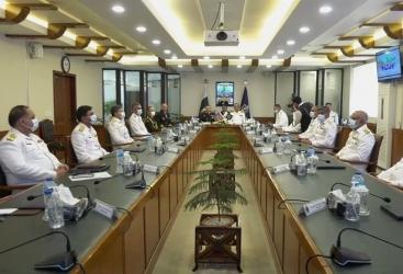 Los comandantes de las Fuerzas Navales de Azerbaiyán y Pakistán se reúnen
