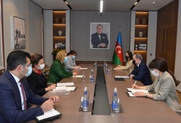El Ministro de Asuntos Exteriores de Azerbaiyán se reúne con una delegación del Seim de Letonia