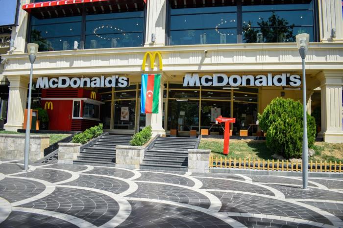 """""""McDonald's Azərbaycan"""" plastikdən istifadəni əhəmiyyətli dərəcədə azaldır –    FOTO"""