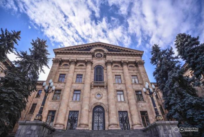 المعارضة الأرمينية تستنزف البرلمان-  خنادق كوتشاريان البرلمانية