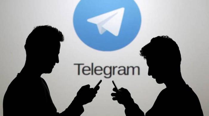 """Almaniya """"Telegram""""ın boğazından yapışdı"""