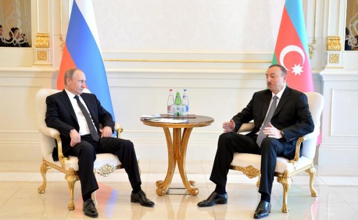 إلهام علييف يجري مكالمة هاتفية مع فلاديمير بوتين