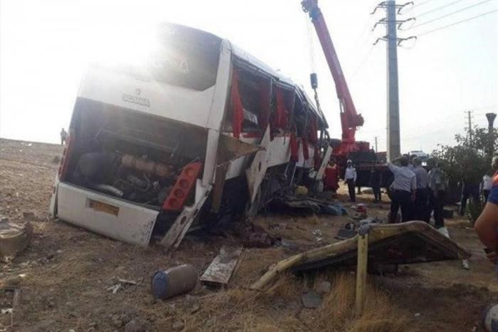 İranda jurnalistlərin olduğu avtobus aşıb: Ölən və yaralılar var