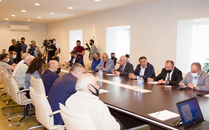 Jurnalistlər xarici media qurumlarına müraciət etdilər