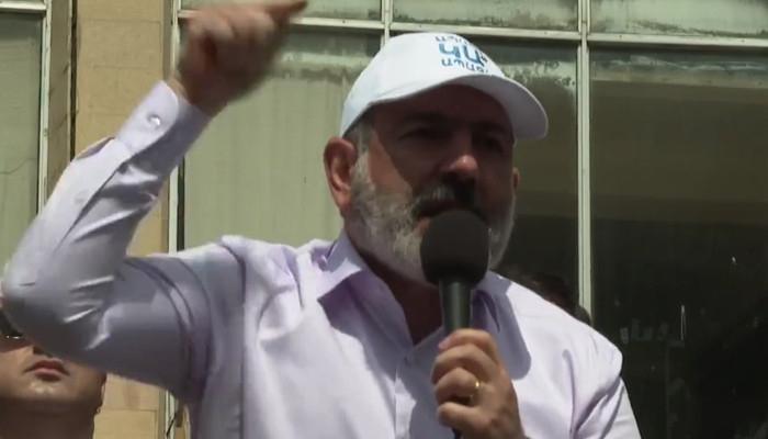 """""""Biz yenə inqilab edəcəyik"""" -  Paşinyan rəqiblərini hədələdi"""