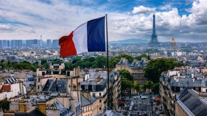 باريس الرسمية ترحب بلفتة اذربيجان