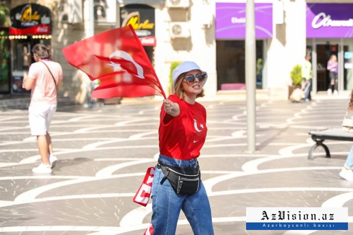 Bakıda Türkiyə coşqusu -   FOTOSESSİYA