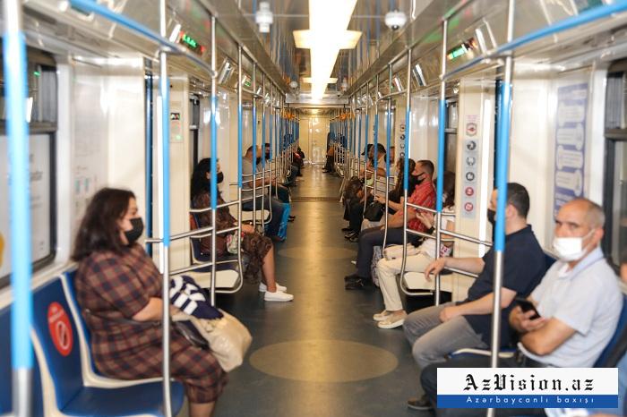 Metroda sərnişindaşıma 2 dəfə azalıb