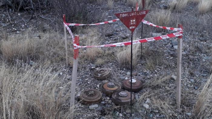 Los expertos militares, oficiales en reserva de Ucrania llamaron a Armenia para que proporcionase todos los mapas de los campos minados