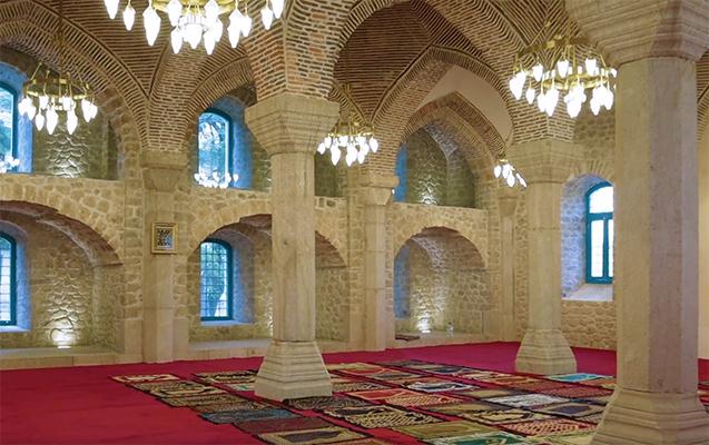 ترميم ثلاثة مساجد تاريخية في شوشا