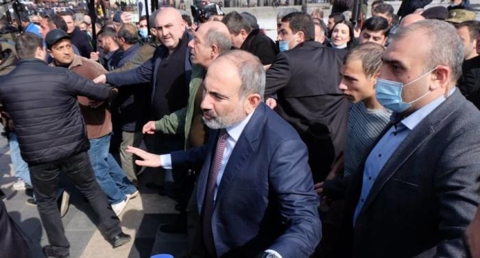 """Paşinyan Respublika meydanını 4 günlük """"bron"""" edib"""